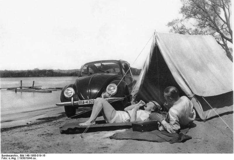 Camping am See mit KdF-Wagen